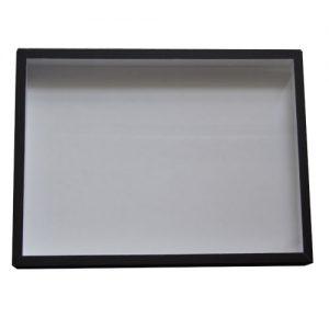 Entomologická škatuľa 30x40 potiahnutá čiernym plátnom, veko so sklom, dno s bielou penou.