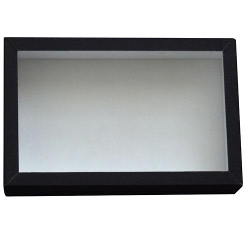 Entomologická škatuľa 23x15 so sklom a bielou penou na dne obalená čiernym knihárskym plátnom.