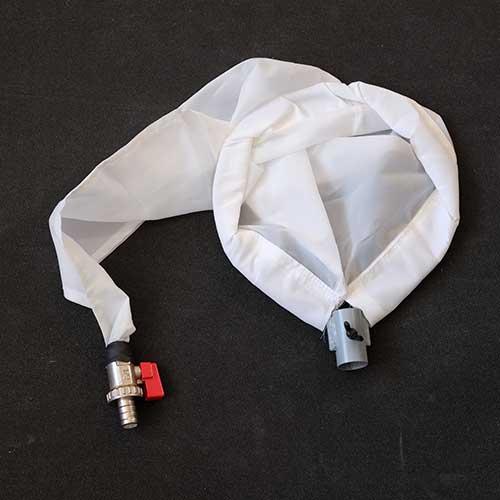 Planktónka s kovovým výpustným ventilom.